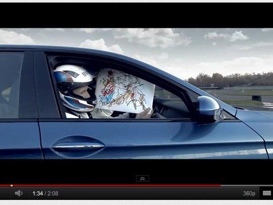 [vidéo] Le dessin de Noël le plus rapide du monde (et le plus moche), par BMW