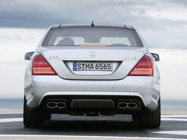 Le V12 pas encore condamné chez Mercedes