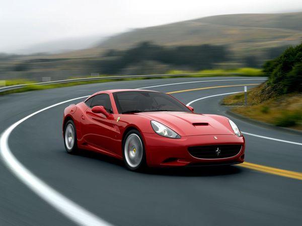 (Vidéo) Une Ferrari California à moteur biturbo à nouveau surprise
