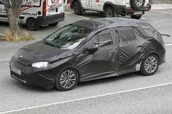 Future Citroën C4 : elle roule dans un sac