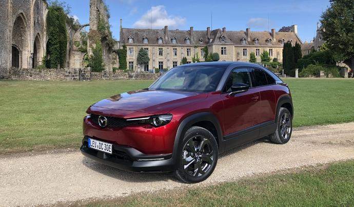 Mazda MX-30 (2020) : on aimerait tant l'aimer