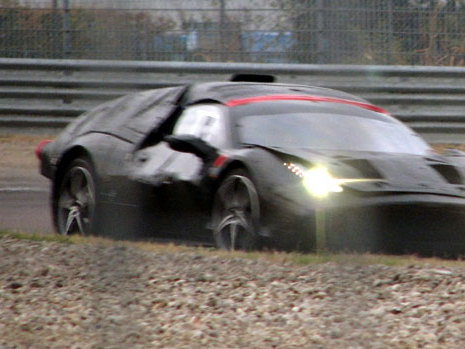 S'agit-il de la remplaçante de la Ferrari Enzo?