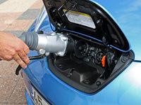De la recharge pour voiture électriques dans les stations-service japonaises