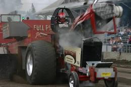 Réveil Auto : le tractor pulling, un sport en plein BOUM !