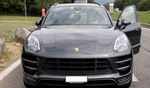 Insolite: elle se fait doubler par sa Porsche Macan volée