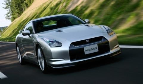 De mieux en mieux : 7.29 mn pour la Nissan GT-R sur le Ring' !