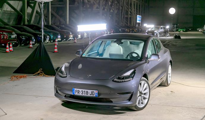 Model 3: le guide d'achat de la Tesla la plus vendue - Salon de l'auto Caradisiac