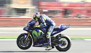 MotoGP - Silverstone J.2: Rossi rapide mais inquiet