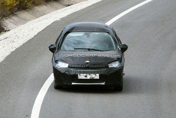 Spyshot : encore une Citroën C4 en sac de camouflage