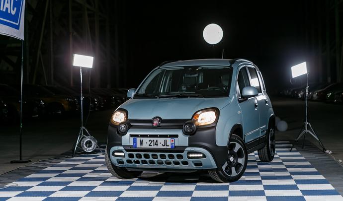 Fiat Panda Hybrid : plus sobre - Salon de l'auto Caradisiac