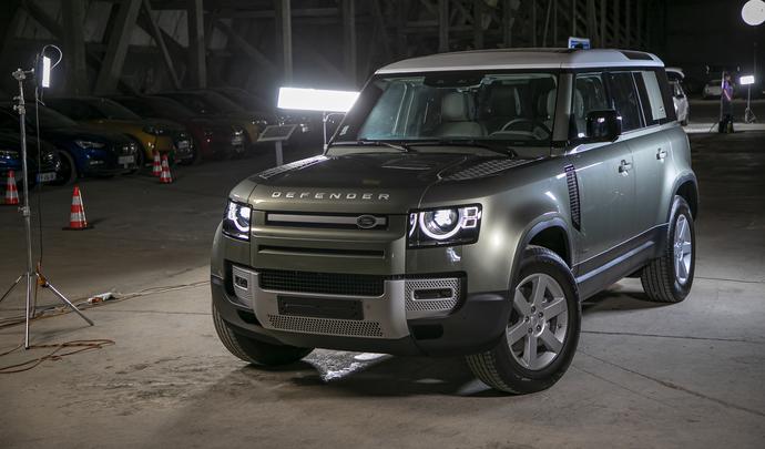 Land Rover Defender : la bête - Salon de l'auto Caradisiac