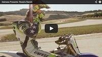 Dainese vous invite dans le ranch de Rossi (vidéo)