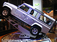Le stand Land Rover au salon de Paris