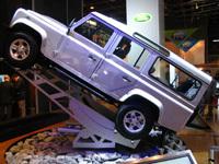 Le stand Land Rover au salon de Paris