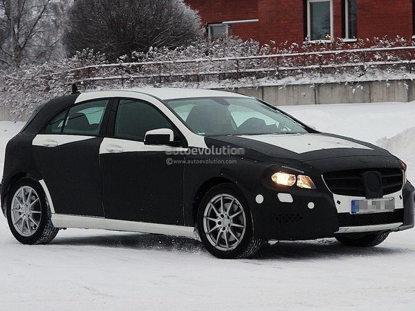 De nouveaux spyshots de la prochaine Mercedes Classe A