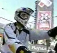 Vidéo moto : Travis en plein boulot