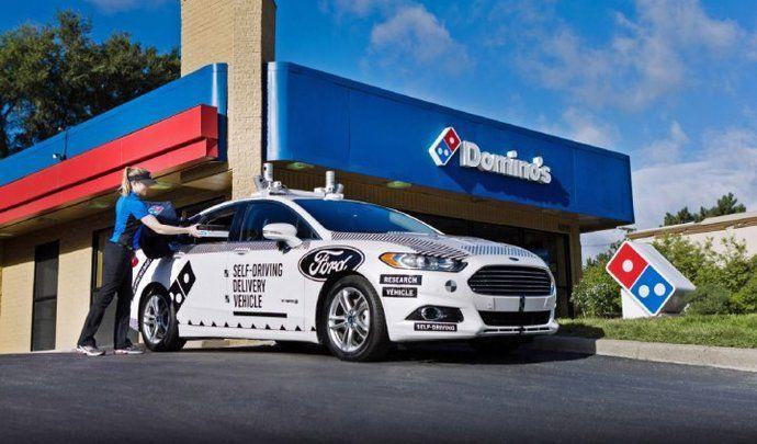 Ford teste la livraison de pizza avec voiture autonome