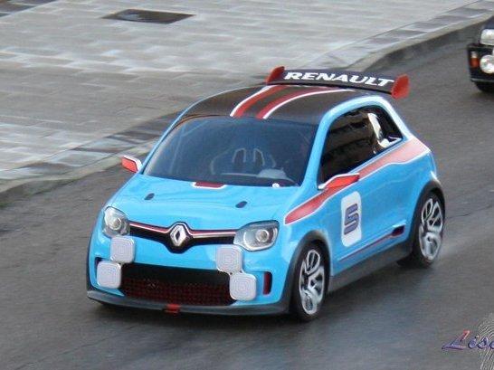 Indiscrétions en direct de Shanghai 2013 - Renault : un V6 pour la Twingo et bientôt un nouvel Espace