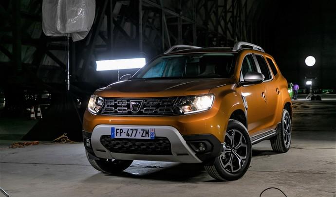 Dacia Duster : le SUV le plus accessible - Salon de l'auto Caradisiac