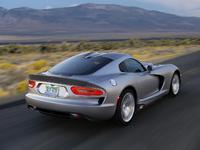 La Dodge Viper SRT évolue en douceur