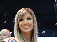 Miss France au Mondial de l'Auto... avec Geneviève de Fontenay