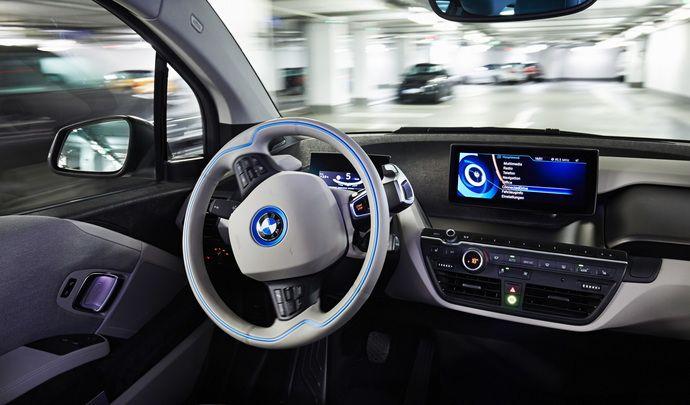 Voiture autonome : des dizaines de millions de kilomètres nécessaires au développement selon BMW