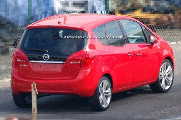 Le futur Opel Meriva complètement nu