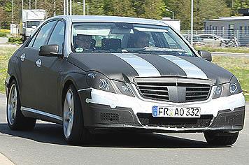Future Mercedes E63 AMG en tenue légère