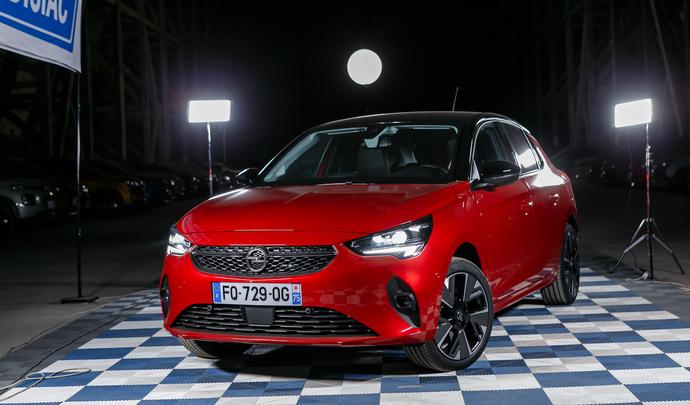 Opel Corsa-e : la première Corsa électrique - Salon de l'auto Caradisiac 2020