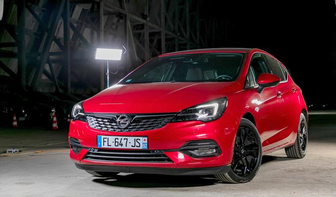 Opel Astra restylée: de beaux restes - Salon de l'auto Caradisiac