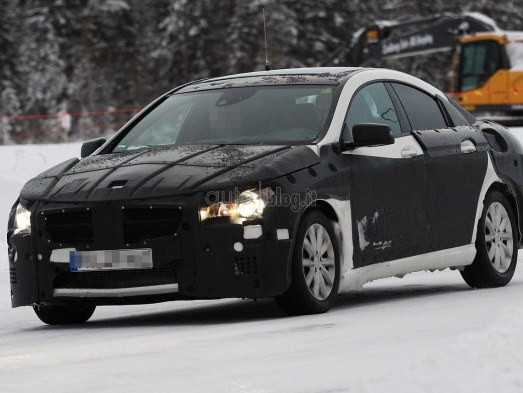 Future Mercedes CLC: surprise en classe de neige