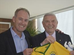 Insolite: l'équipe brésilienne de foot va rouler en Michelin