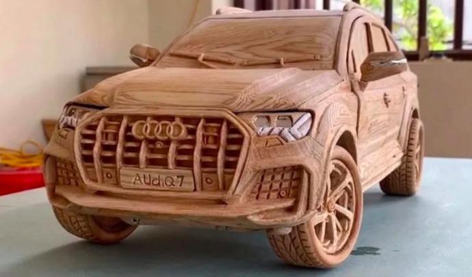 Il construit un Audi Q7 en bois