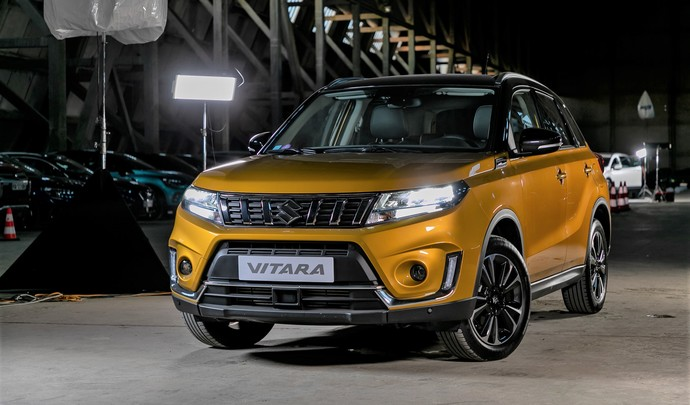 Suzuki Vitara hybride : des arguments - Salon de l'auto Caradisiac 2020