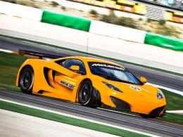 (Vidéo) Lewis Hamilton teste la McLaren MP4-12C GT3. Et c'est génial!