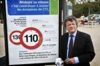 Jean-Louis Borloo vous invite à pratiquer l'éco-conduite