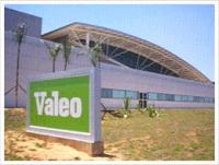 Valeo vise le rachat de Visteon et d'activités de Delphi