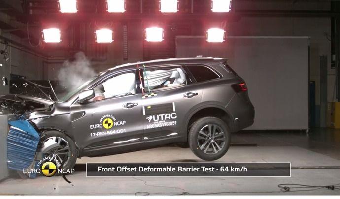 Vidéos - Crash-tests EuroNCAP : le Renault Koleos et la Ford Fiesta obtiennent cinq étoiles, l'Opel Ampera E quatre