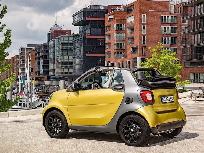 la smart fortwo cabrio d barque en bo te manuelle. Black Bedroom Furniture Sets. Home Design Ideas