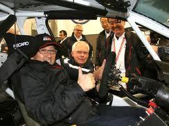 Insolite: le patron de Toyota pilote de course