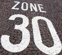 Sécurité routière - limitation à 30 km/h à Paris: comment rouler avec une moto ?