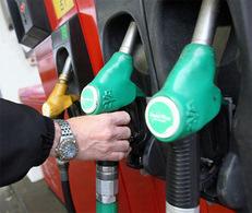 Prix du carburant 2010 en hausse de 10% : le gouvernement avait oublié la TVA dans les chiffres communiqués...