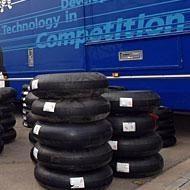 Moto GP: Yamaha réclame des pneus spéciaux à Michelin.