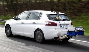 PSA, accusé d'avoir truqué 2 millions de moteurs diesels,s'agace et menace