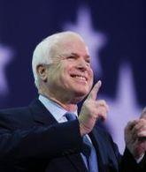 John McCain amoureux de la Chevrolet Volt
