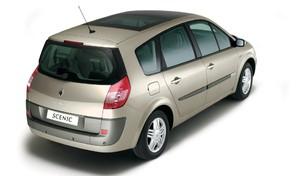 Drame de l'A7: quatre questions pour comprendre l'accident du Renault Scénic