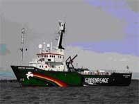 Portes ouvertes sur le navire de Greenpeace