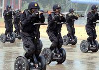 Photo insolite du jour : les policiers chinois en Segway !