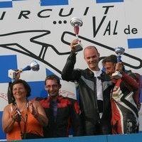 Championnat de France Vitesse Motos Anciennes : ça démarre ce week-end à Nogaro (32): interview d'Evelyne Desbordes.