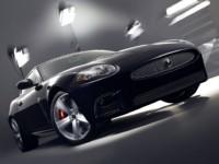 Jaguar XKR Portfolio : monte le son tonton !